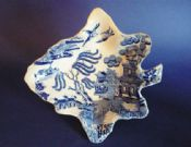 Fine Staffordshire Pearlware 'Willow' Pattern Leaf Shaped Pickle Dish c1830